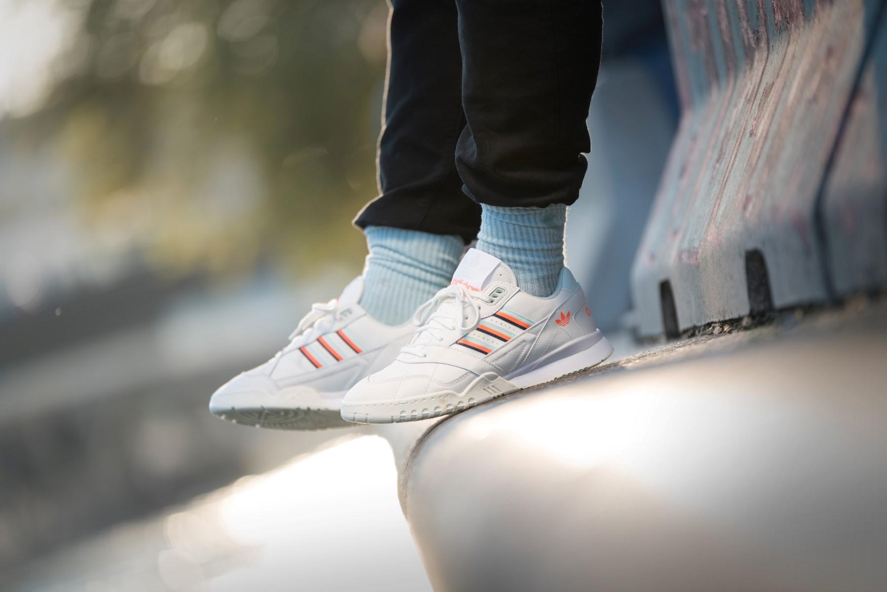 Adidas Originals A.R. AR Trainer Womens Shoes Retro Sneaker